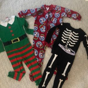 Holiday pjs lot, size 24m, 2T, 3T (fits like 2T)